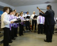 Excelente actuación del «Coro Polifónico Comunal de Carlos Pellegrini» en Cañada Rosquín