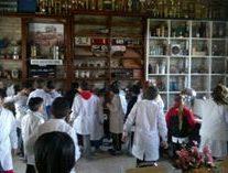 Bustinza: Visita de alumnos al Museo Comunal