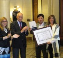 En un emotivo acto la Cámara de Diputados distinguió a la Muestra «Las Banderas de Belgrano»