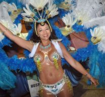 Sastre vibra al ritmo del carnaval