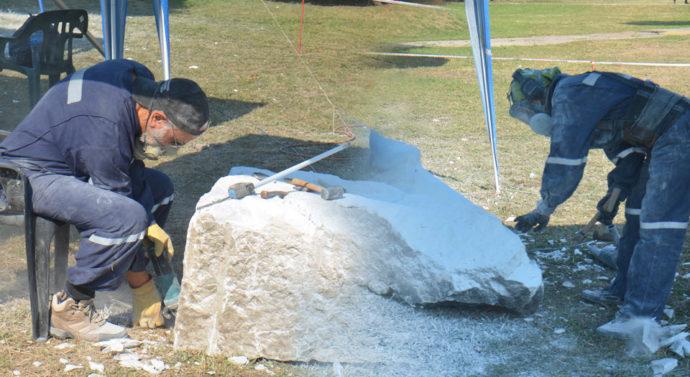 El Trébol: Conocé a los escultores que le dieron vida al Monumento a los Trabajadores