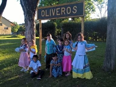 """Los pequeños oliverenses celebraron el """"Día de la tradición"""""""