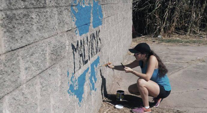 En María Susana se realiza un Mural en conmemoración a los veteranos y caídos en Malvinas.