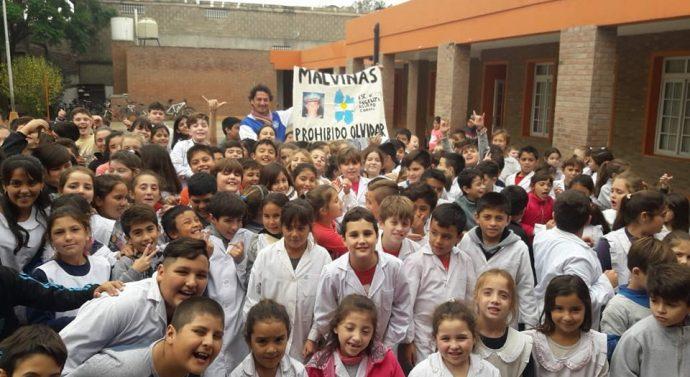 «Peña El Amanecer» se suma al proyecto educativo de la Escuela Angelita Agüero N° 1290