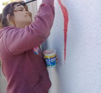 El Taller Municipal de Pintura de San Jorge pinta un mural en el Área de la Mujer