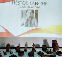 """Monje disfruta de la muestra del sanjavierino Néstor Lanche: """"Arte Aborigen"""""""