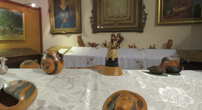 """En la Biblioteca Popular Rivadavia se expone la Muestra """"Arte Aborigen"""""""