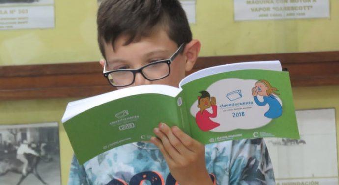 Díaz: En un acto emotivo fueron entregado los libros «De Pueblo en Pueblo» y «Clave de Cuento»