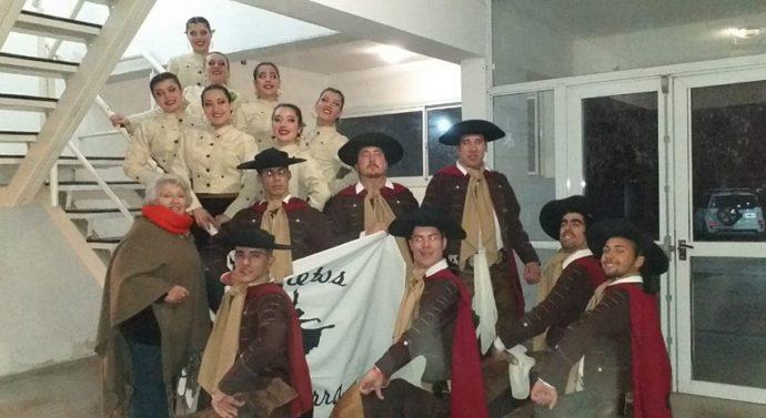 Tres bailarines totorenses acompañarán a Soledad