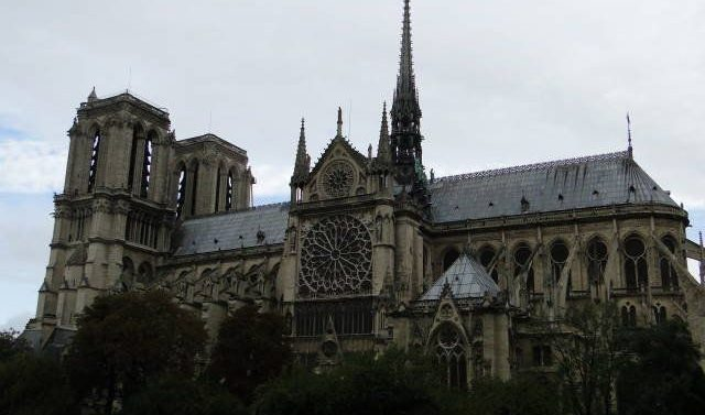 """Notre Dame"" llega a Sastre en imágenes"