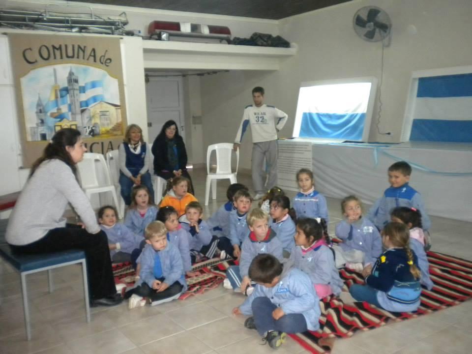Felicia recibió «Las Banderas de Belgrano»