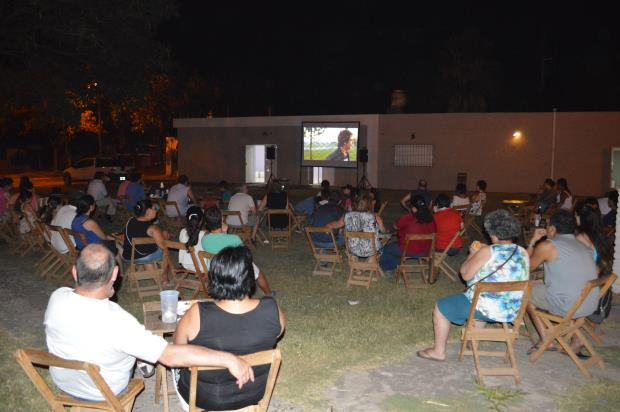 «Cine Sun» comenzó con éxito en barrio Colón