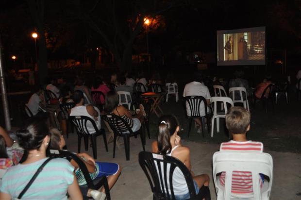 Sunchales: El Barrio Cooperativo fue sede de una gran noche de cine