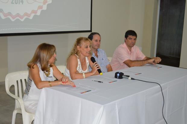 Sunchales: Autoridades municipales presentaron los Fabulosos Carnavales Sunchalenses Edición 2014.