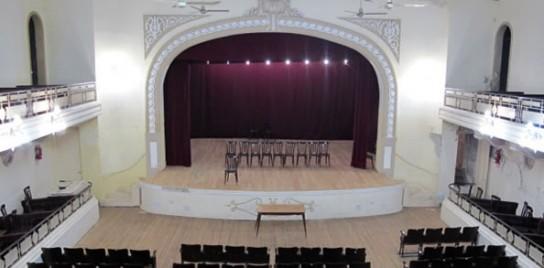 Moises Ville: Declaran Patrimonio Histórico al edificio teatro KADIMA