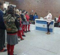 """La Muestra """"Las Banderas de Belgrano"""" llegaron a la comunidad de Pilar"""
