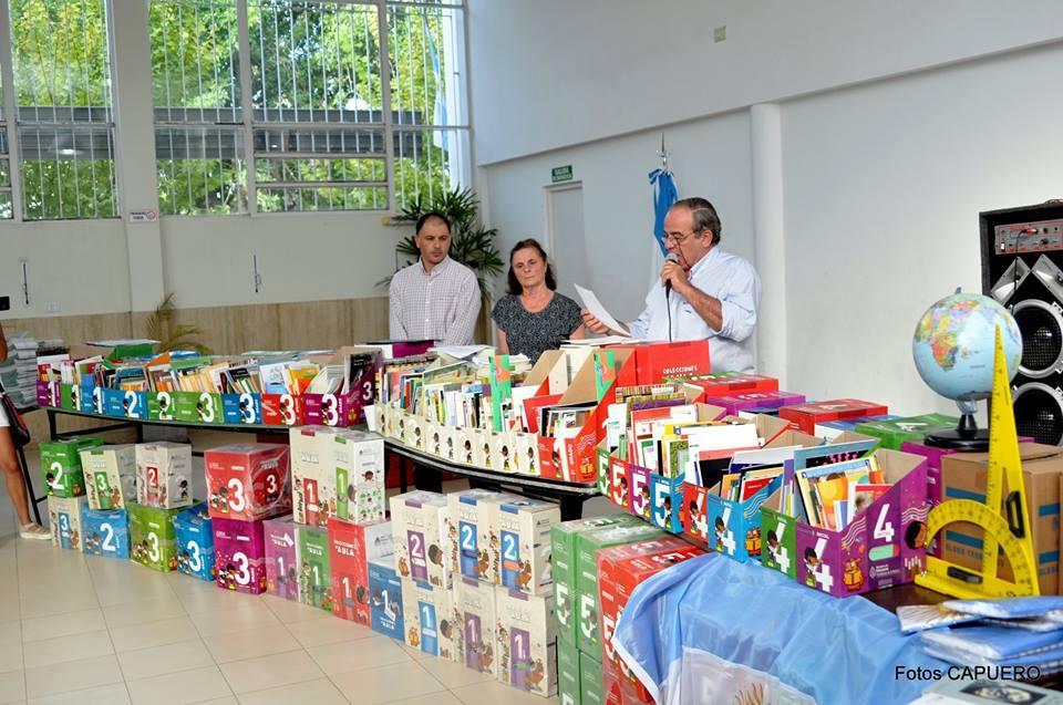 Entrega de Materiales Educativos en San Gregorio