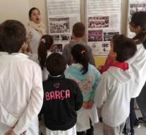 """Escuelas de Pueblo Muñoz visitan la Muestra """"Historia de los Mundiales"""""""