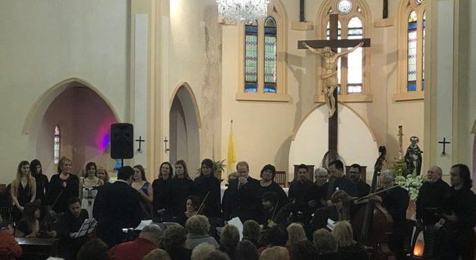 En Acebal se presentó la obra «Recen por mí» obra en honor al Papa Francisco