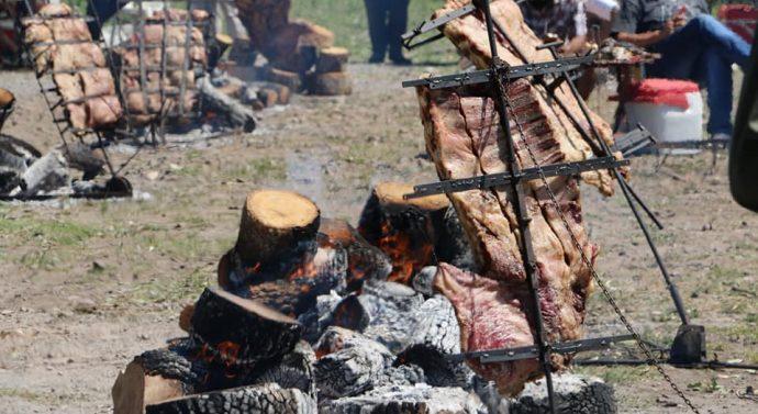 Arroyo Seco: El asado a la estaca fue todo un éxito