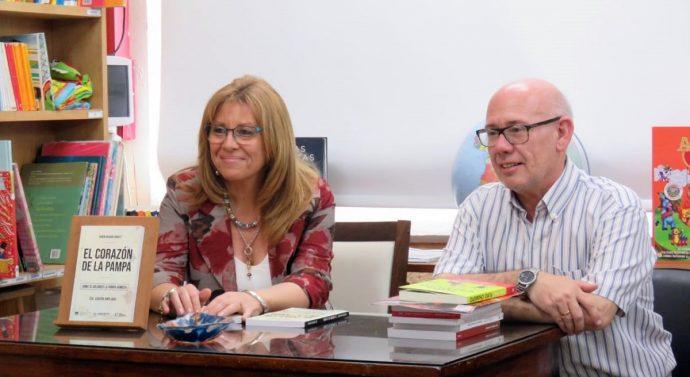 """Se presentó en Rufino el libro """"El Corazón de la Pampa"""" de Rubén Iriarte"""