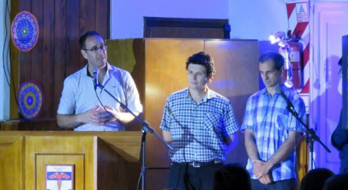 """La """"Fiesta de los Pueblos"""" arrancó en Acebal en una noche emotiva"""