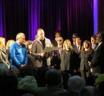 A sala llena el Coro Nacional de Ciegos pasó por Acebal