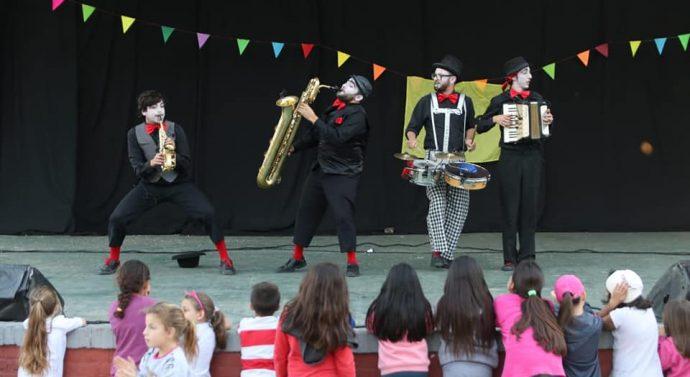 Arroyo Seco: Domingo a puro Circo y Clowns bajaron el telón del último día en el Anfiteatro