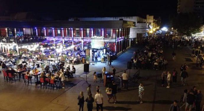 La ciudad de Arroyo Seco tuvo su noche de peatonal