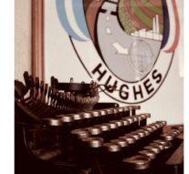 Hughes presentó la Muestra «Ellas por todas»