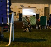 Primera función del «Cine a la Reposera» en Arroyo Seco