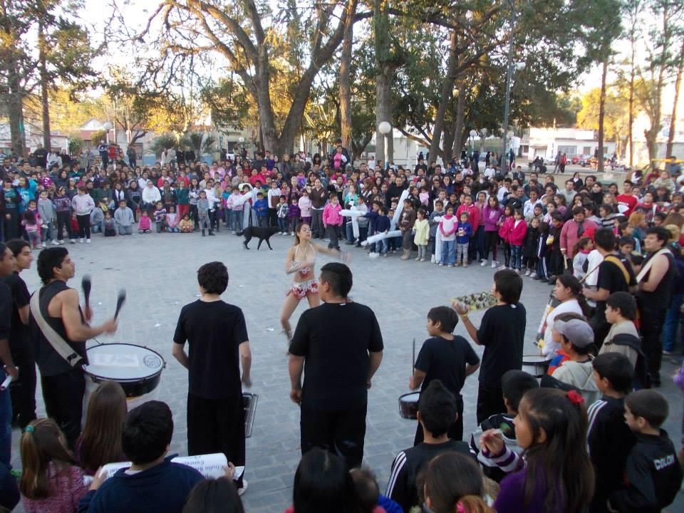 Multitudinaria convocatoria en la Feria Manos del Arte