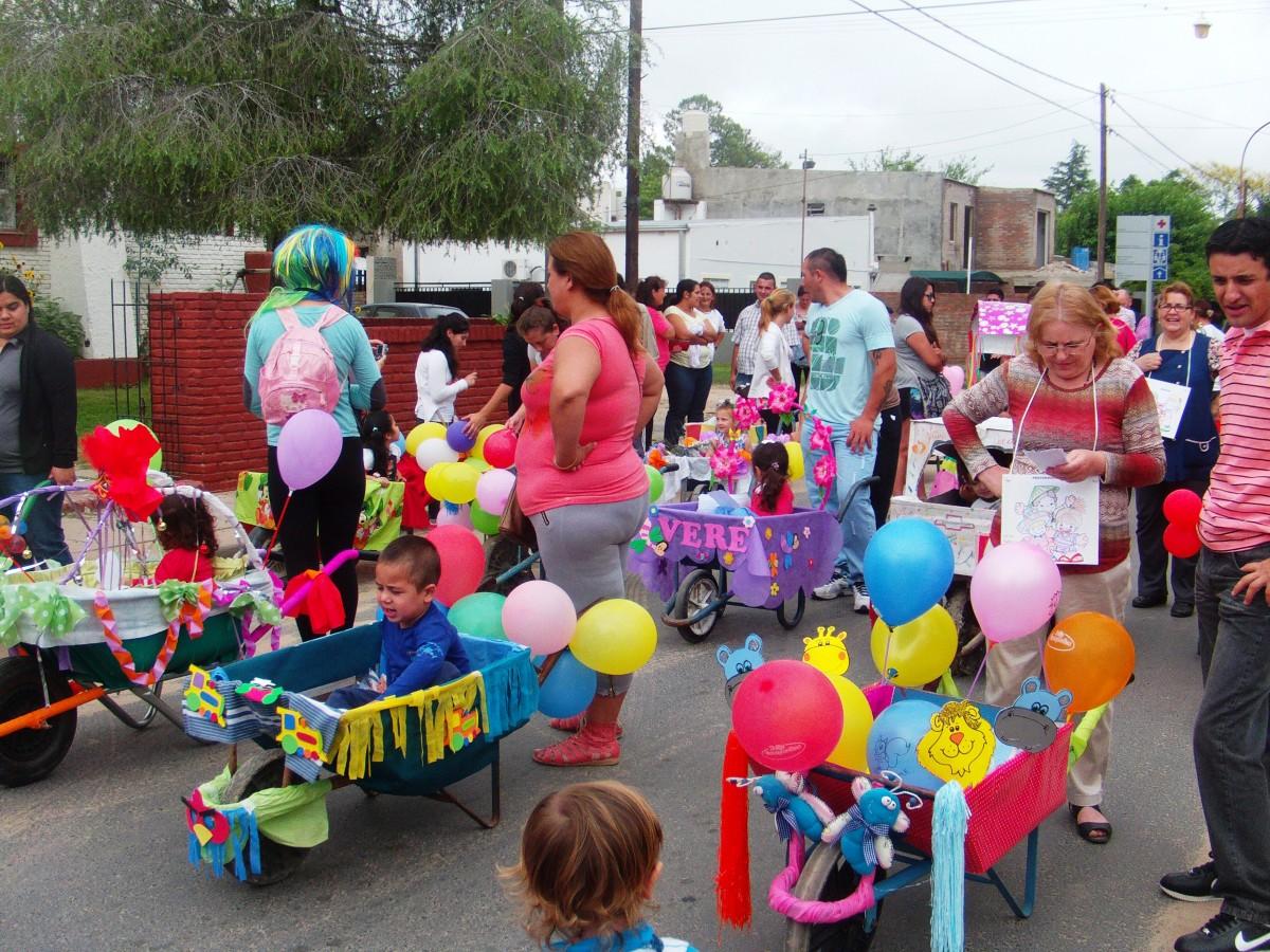 San José del Rincón: La inocencia pasea en carretilla