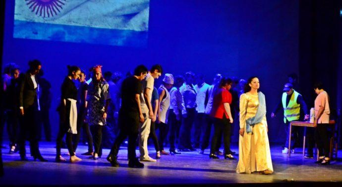 A sala llena se presentó la obra «Salve Argentina»