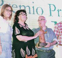 """El Premio """"Julio Migno 2016"""" fue otorgado al Prof. Juan A. Kluczkiewicz"""