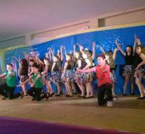 Taller de ritmos latinos para niños en Helvecia