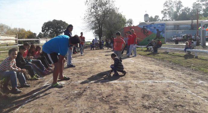 Un juego que atraviesa generaciones, se llevó a cabo en Monte Vera