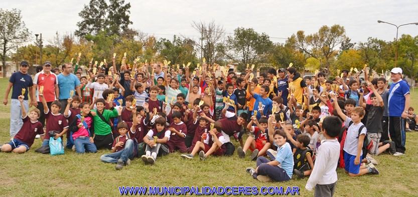 Espectacular éxito en el 1º encuentro del año de las escuelitas de futbol de los barrios