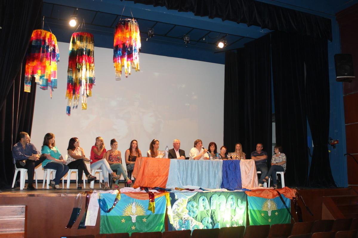 SUARDI PRESENTÓ SUS CARNAVALES 2015