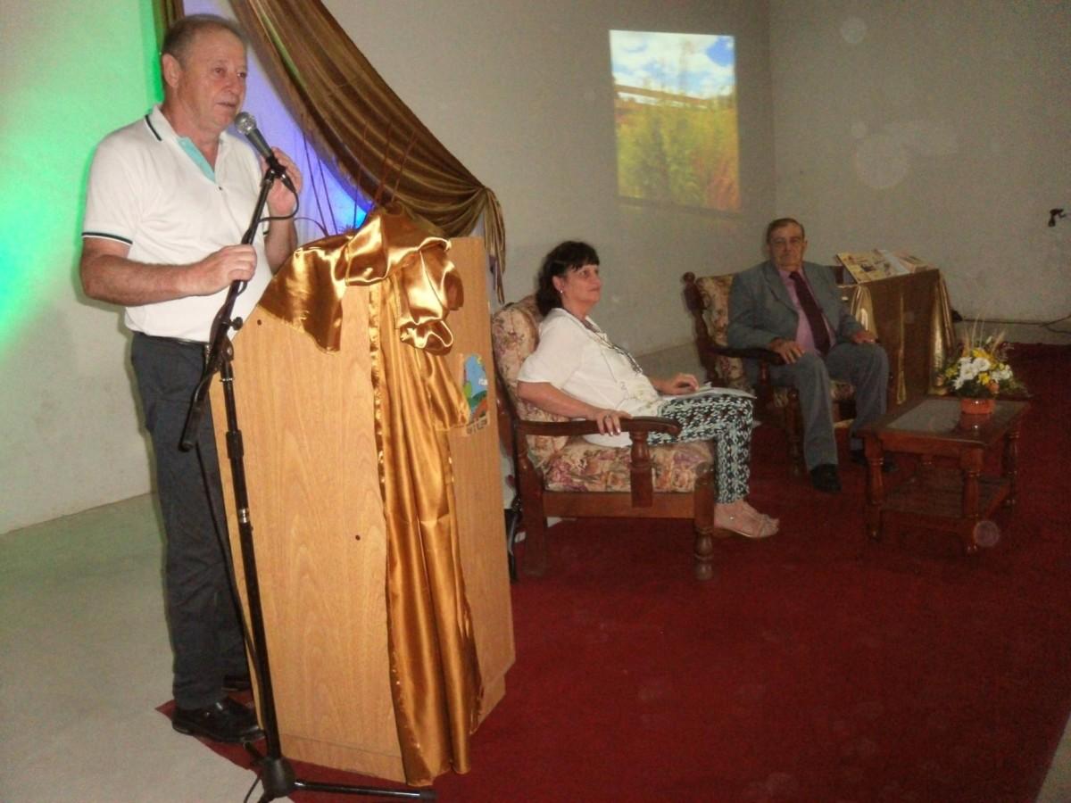 San Guillermo: Miguel Sterren presentó su libro de poesías