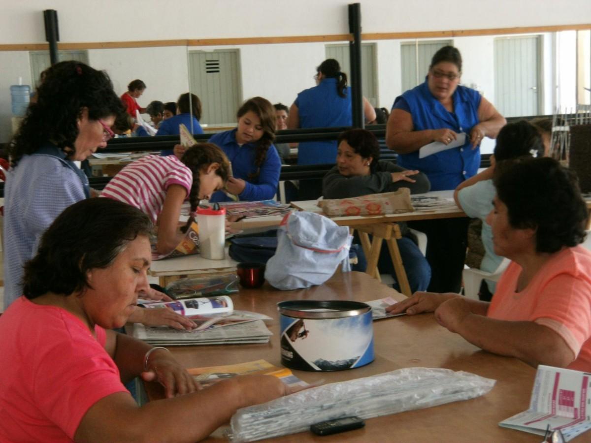 San Guillermo: Importante participación en el Taller Comunal de Manualidades