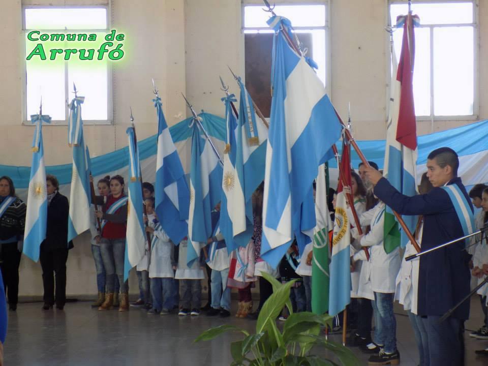 Acto Día de la Bandera en Arrufó
