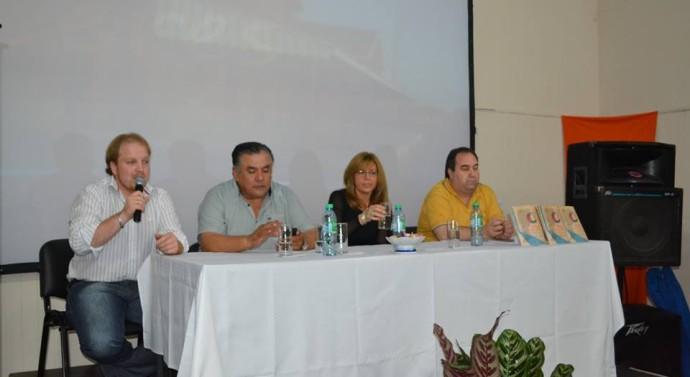 Ceres: En un ambiente festivo se presentó el libro «Esencia de mi Pueblo»