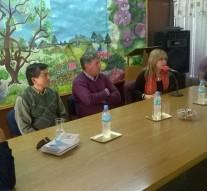 """Se entregó el libro """"Esencia de mi Pueblo"""" en la localidad de Ambrosetti"""