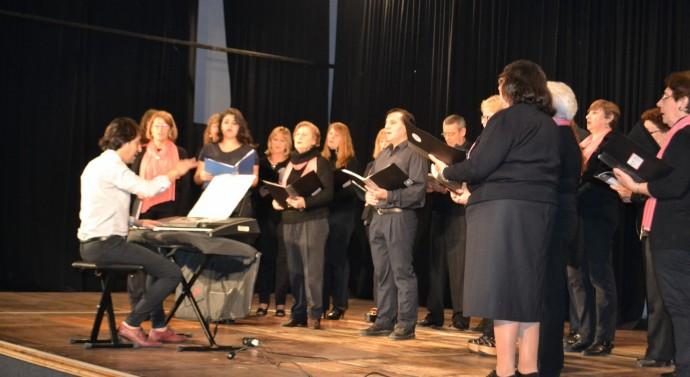 Ceres: Exitoso «Encuentro de Coros 2015»