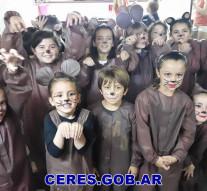"""Espléndida presentación del """"Taller de Teatro de Niños"""" en Ceres"""