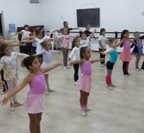 San Guillermo: Amplia concurrencia en el Taller de Danzas Clásicas
