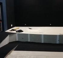 San Guillermo: Se comenzó con la colocación de alfombras en el Centro Cultural