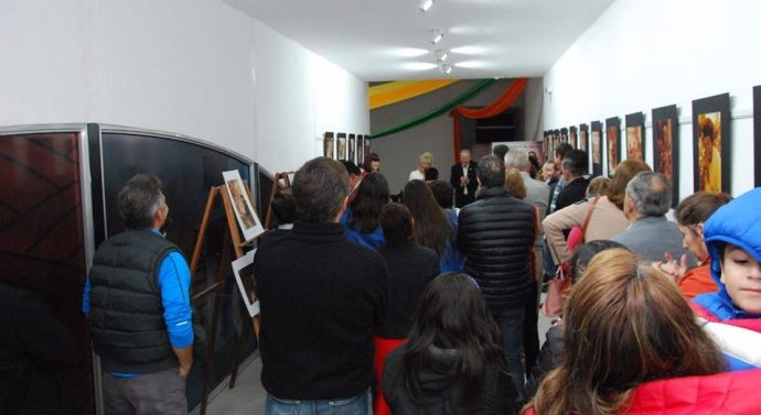 """San Guillermo: Muestra Fotográfica """"Los sin voz"""" de la Artista Ana Rollandi"""