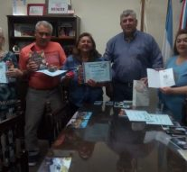 En Ambrosetti se hicieron entrega de los libros «Aromas Santafafesinos»